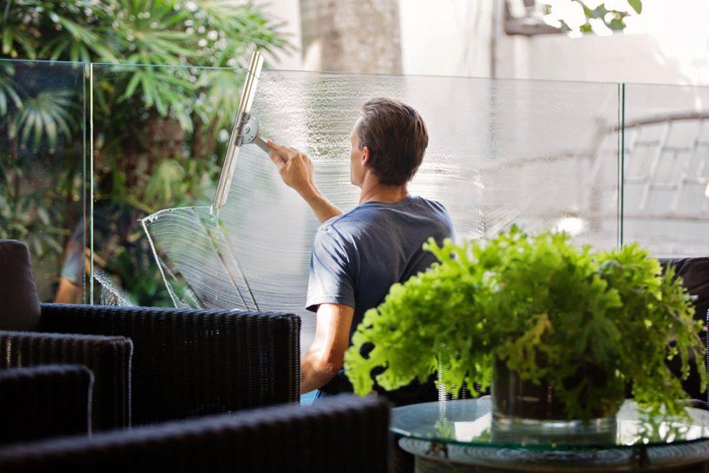 エアコンのドレンパンの掃除方法