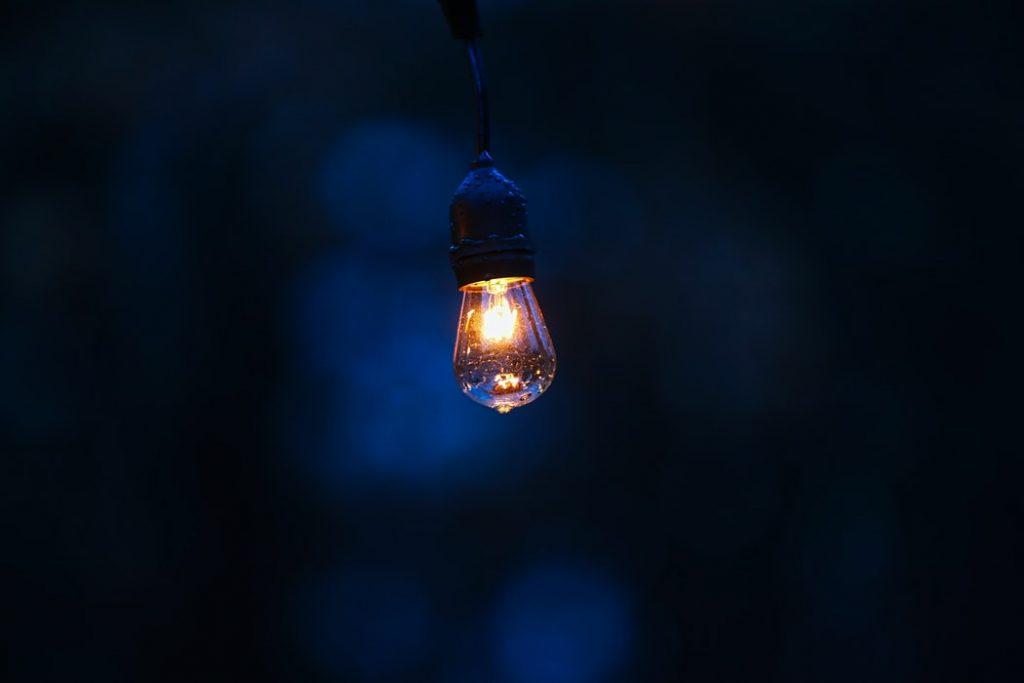 電球がつかない原因と対処法