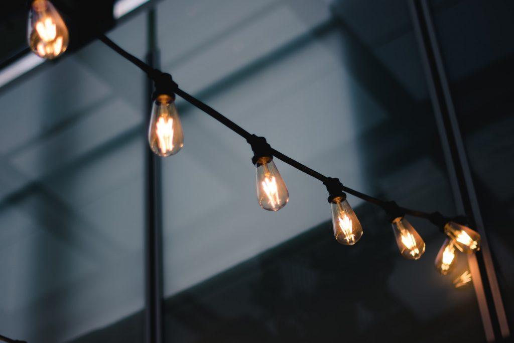 LED電球の取り付け方法