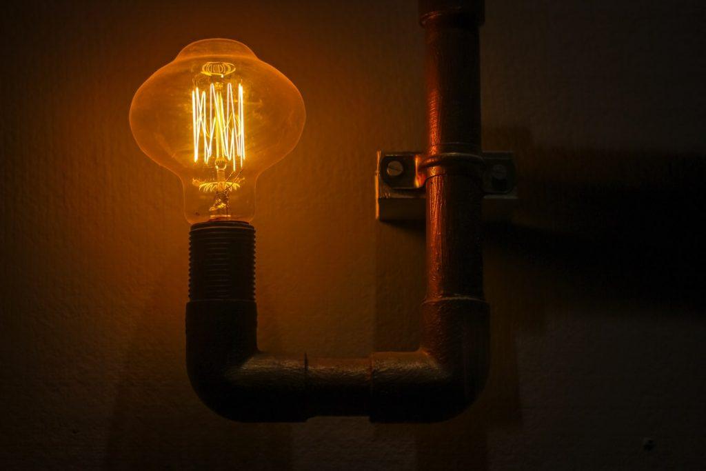 蛍光灯の正しい交換方法